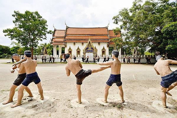 【美功周邊景點推薦】樹中廟Wat Bang Kung&泰拳公園