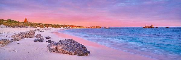 Island-Getaway-Pinky-Beach-Rottnest-Island_2000x.jpg