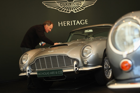 Aston+Martin+Cars+Their+First+Ever+Showroom+9_N6Mhr-fCEl