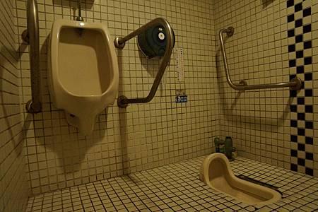 廁所改造前.JPG