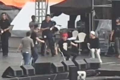[bool funny] JYJ rehearsal in VietNam - Back Seat.mp4_snapshot_02.57_[2014.09.05_11.23.08].jpg
