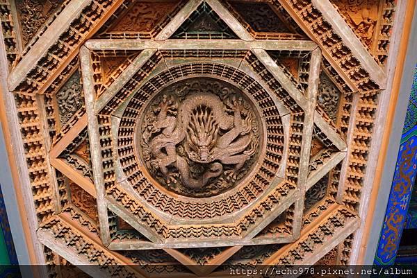 DSC00486 北京隆福寺毗盧殿明間藻井.JPG