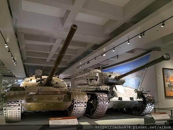 IMG_20200901_105156 蘇聯造T-62中型坦克+美國造M26潘興重型坦克.jpg
