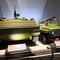 IMG_20200901_112328 中國造63式裝甲運兵車+中國造PWL75式105釐米自行無後坐力炮.jpg