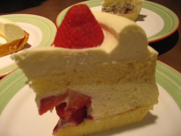 Capricciosa-草莓Cake.JPG