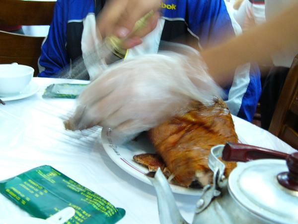 上海新疆風味餐廳-烤羊腿.JPG