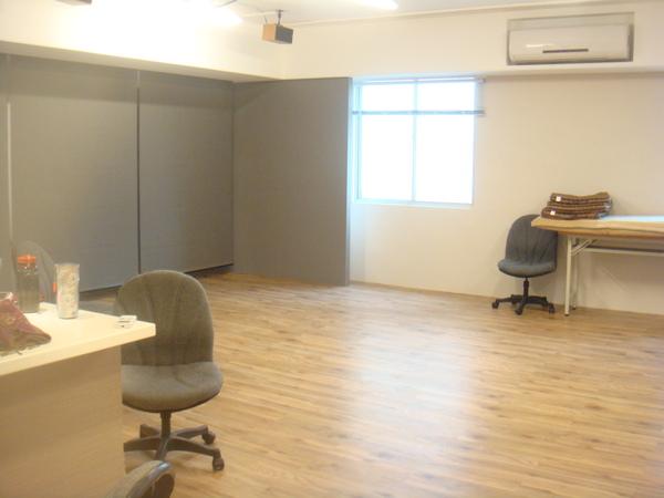 一半的大教室