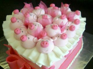cute piggy cakes