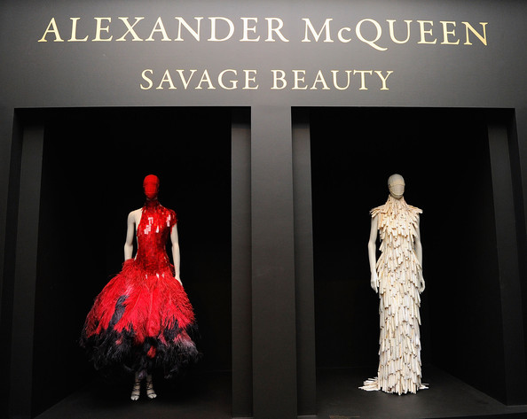 Alexander+McQueen+Savage+Beauty+Costume+Institute+fiTuhkE-BrQl.jpg