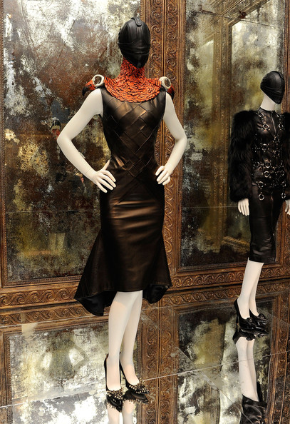 Alexander+McQueen+Savage+Beauty+Costume+Institute+LzGf6bd3zvSl.jpg
