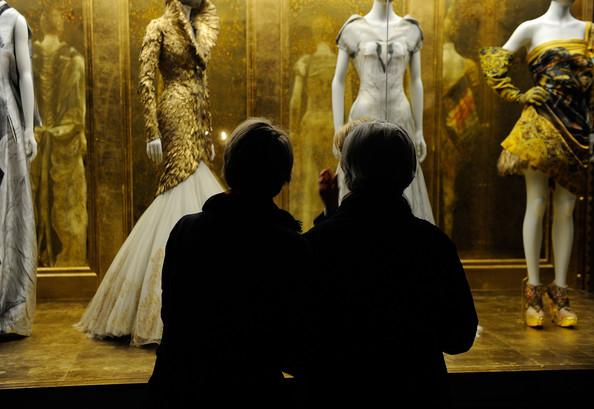 Alexander+McQueen+Savage+Beauty+Costume+Institute+xMVXO1Ql7aRl.jpg