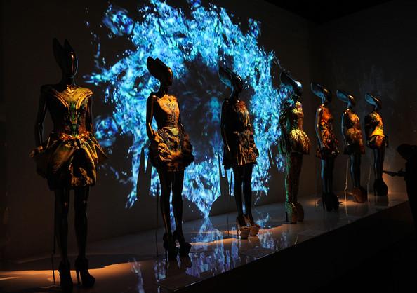 Alexander+McQueen+Savage+Beauty+Costume+Institute+tkYPIg6CrSQl.jpg