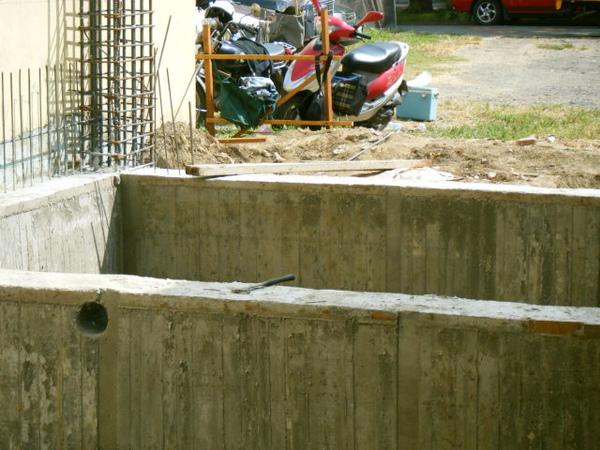 地樑拆模06