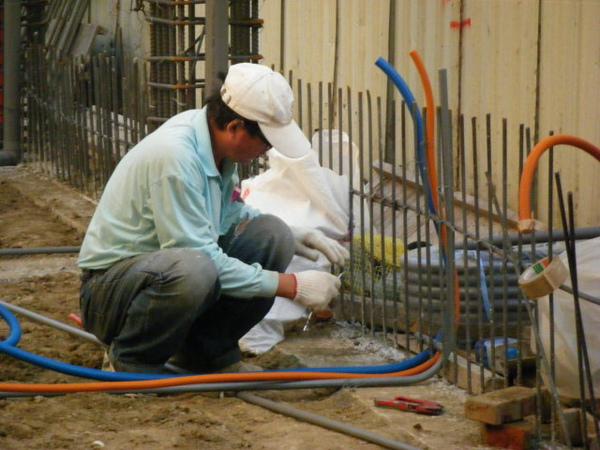 地坪水電作業-電力電信配管2