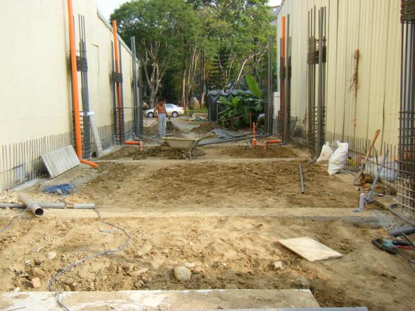 地坪水電作業-整地2
