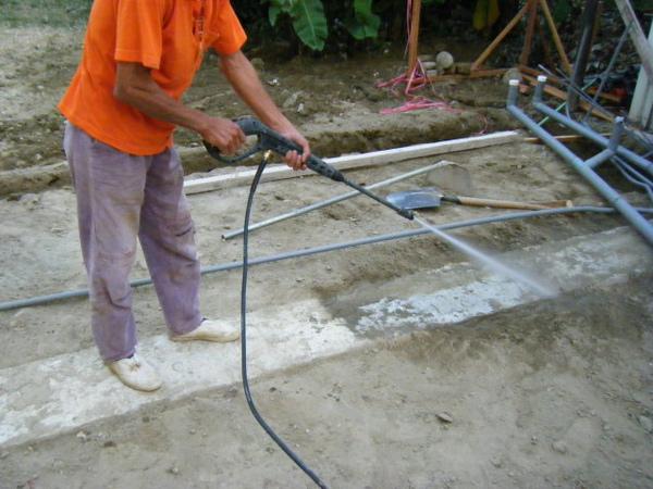 地坪水電作業-清洗地樑