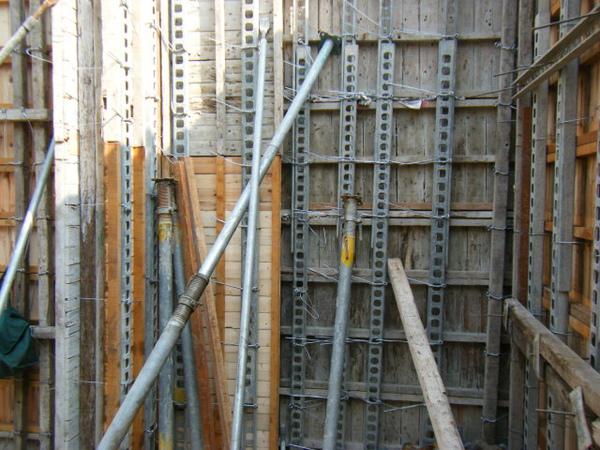 11.28一樓模板封內模-夾板模7