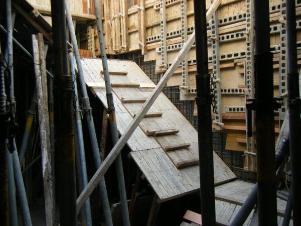 11.30-2-一樓樓梯12