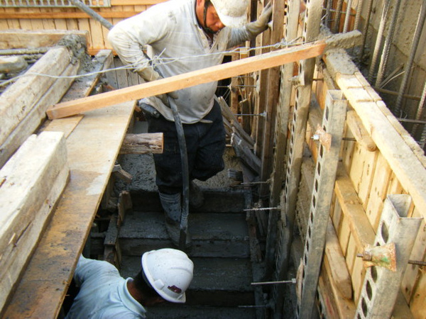 091211-一樓頂板灌漿23