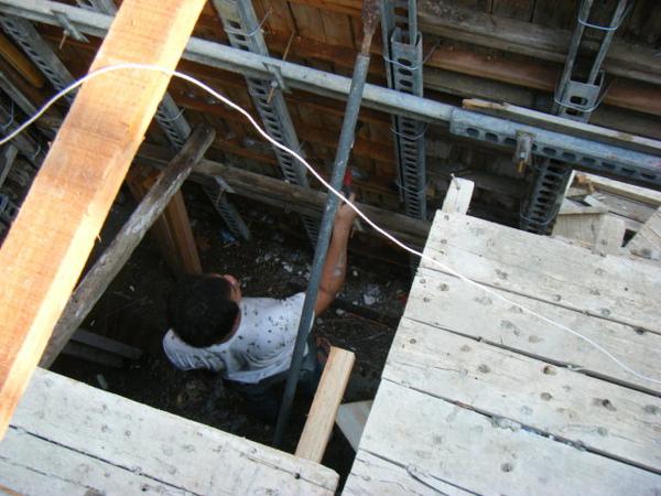 091211-一樓頂板灌漿27
