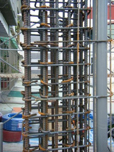 091217-一樓頂板養護5.6及二樓柱鋼筋12