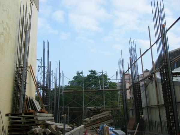 091217-一樓頂板養護5.6及二樓柱鋼筋14