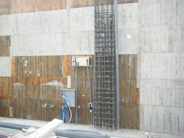 091218-一樓頂板養護7及二樓外模組立13