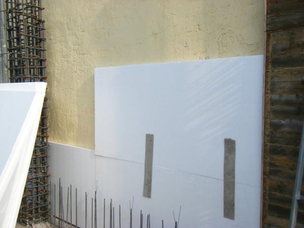 091218-一樓頂板養護7及二樓外模組立15