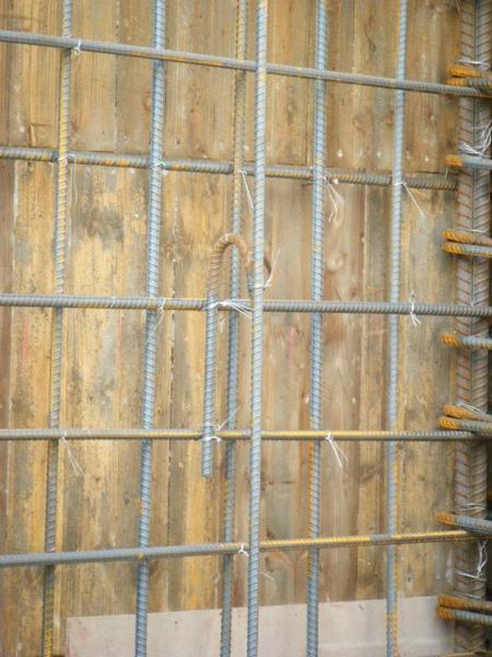 091219二樓牆筋綁紮及水電配管04