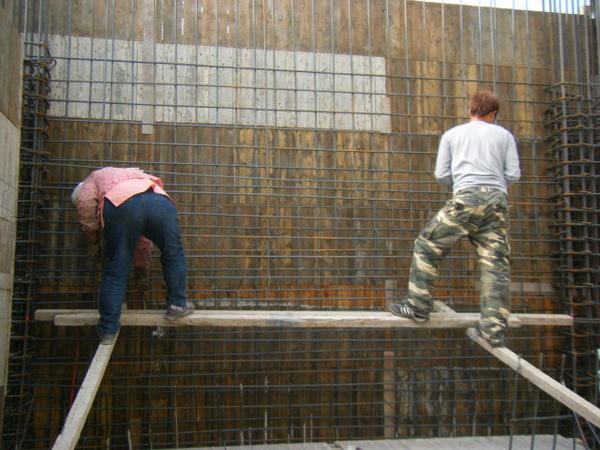 091219二樓牆筋綁紮及水電配管07