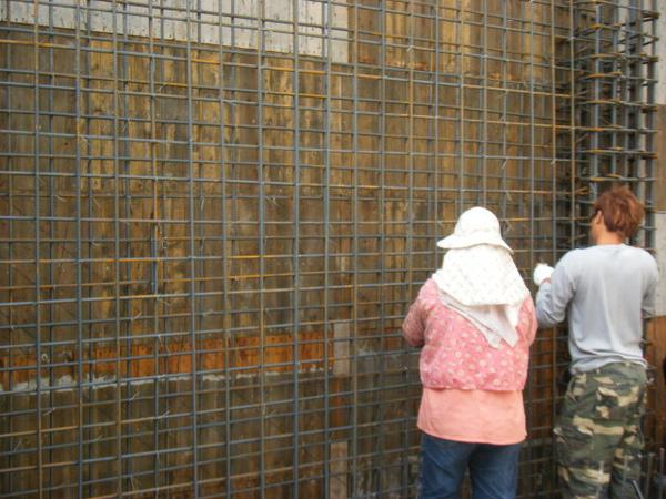 091219二樓牆筋綁紮及水電配管10