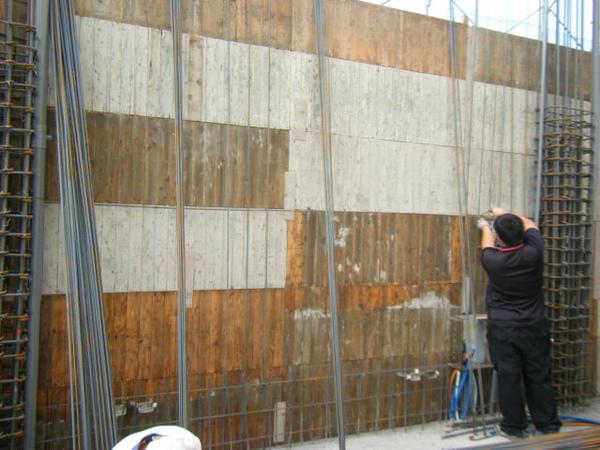 091219二樓牆筋綁紮及水電配管11