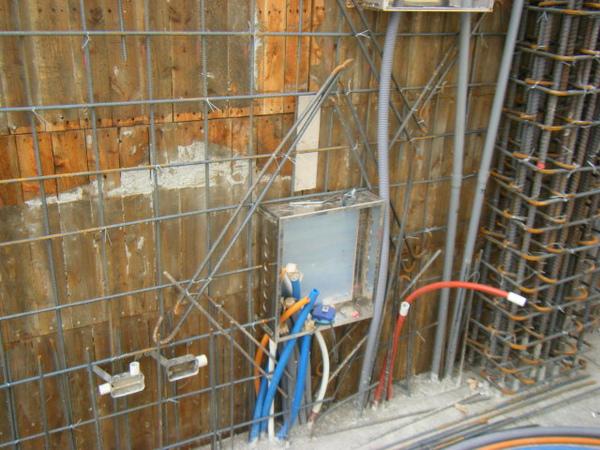 091219二樓牆筋綁紮及水電配管15