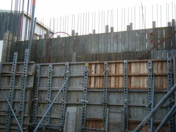 091221-二樓牆柱封內模14