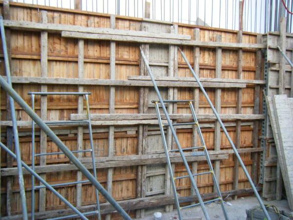 091221-二樓牆柱封內模15