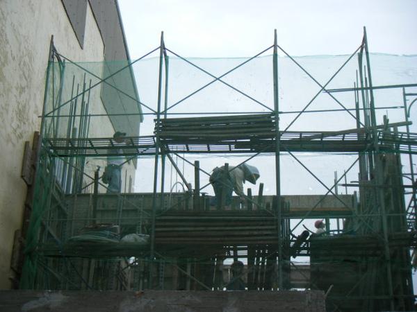091225-26-二樓頂板組立04