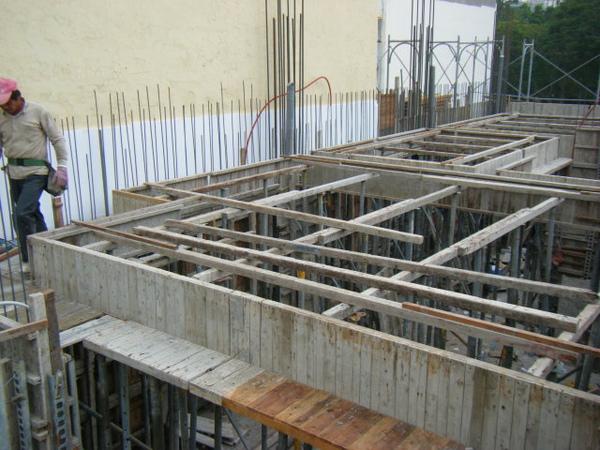 091225-26-二樓頂板組立14