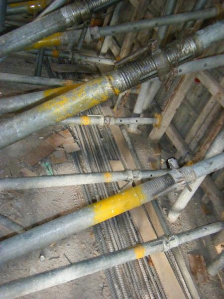 091227-二樓單面模斜支撐及水電放樣09