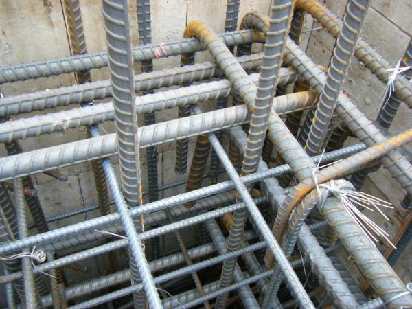 091228-二樓頂板鋼筋及水電作業04