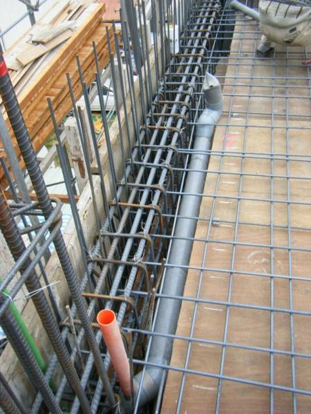 091228-二樓頂板鋼筋及水電作業05