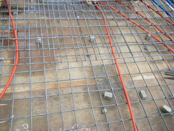 091228-二樓頂板鋼筋及水電作業12