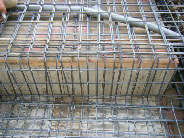 091228-二樓頂板鋼筋及水電作業25