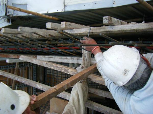 091228-二樓頂板鋼筋及水電作業28