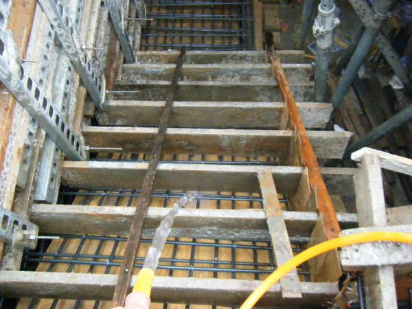 091230-二樓頂板灌漿06