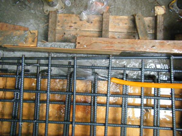 091230-二樓頂板灌漿08