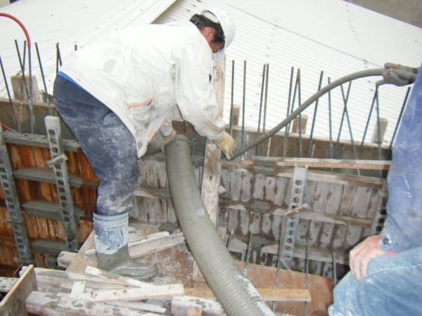 091230-二樓頂板灌漿17