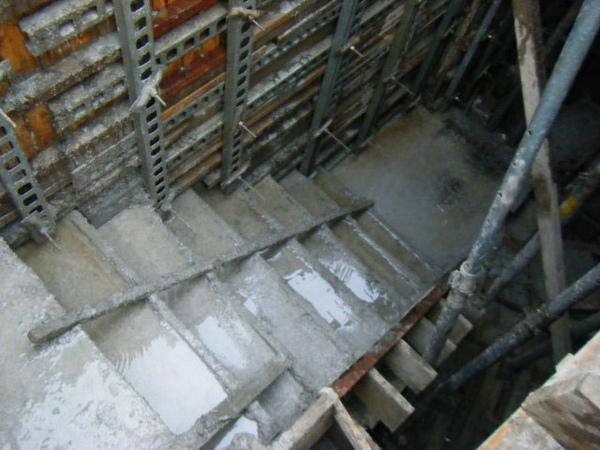 091231-二樓頂板養護1-08