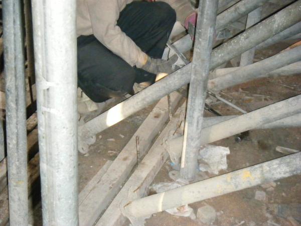 100101-二樓養護2、拆側模及三樓放樣09