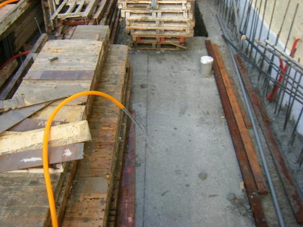 100101-二樓養護2、拆側模及三樓放樣14