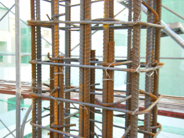 100103-二樓養護4及三樓柱鋼筋綁紮08